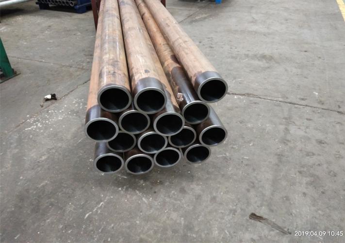 内孔镗滚钢管生产